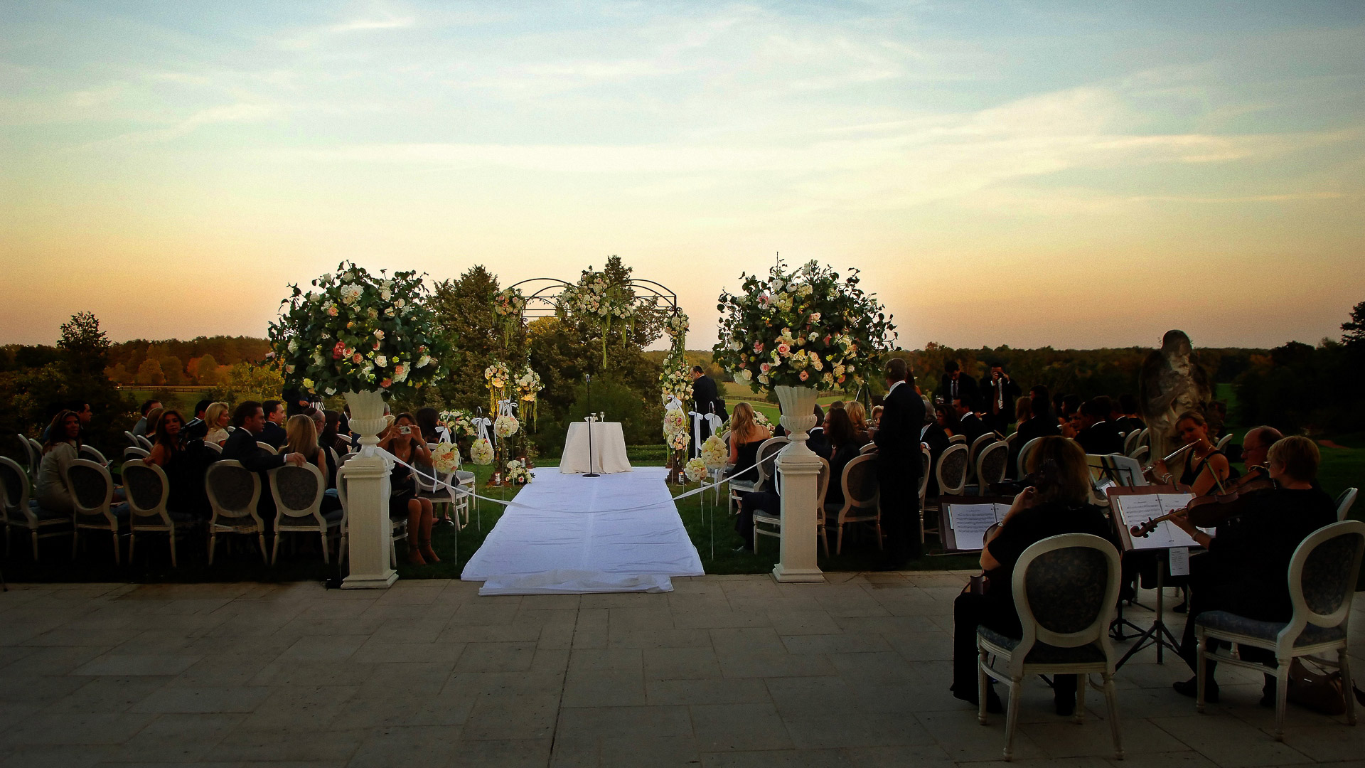 outdoor wedding ceremony, keswick hall virginia