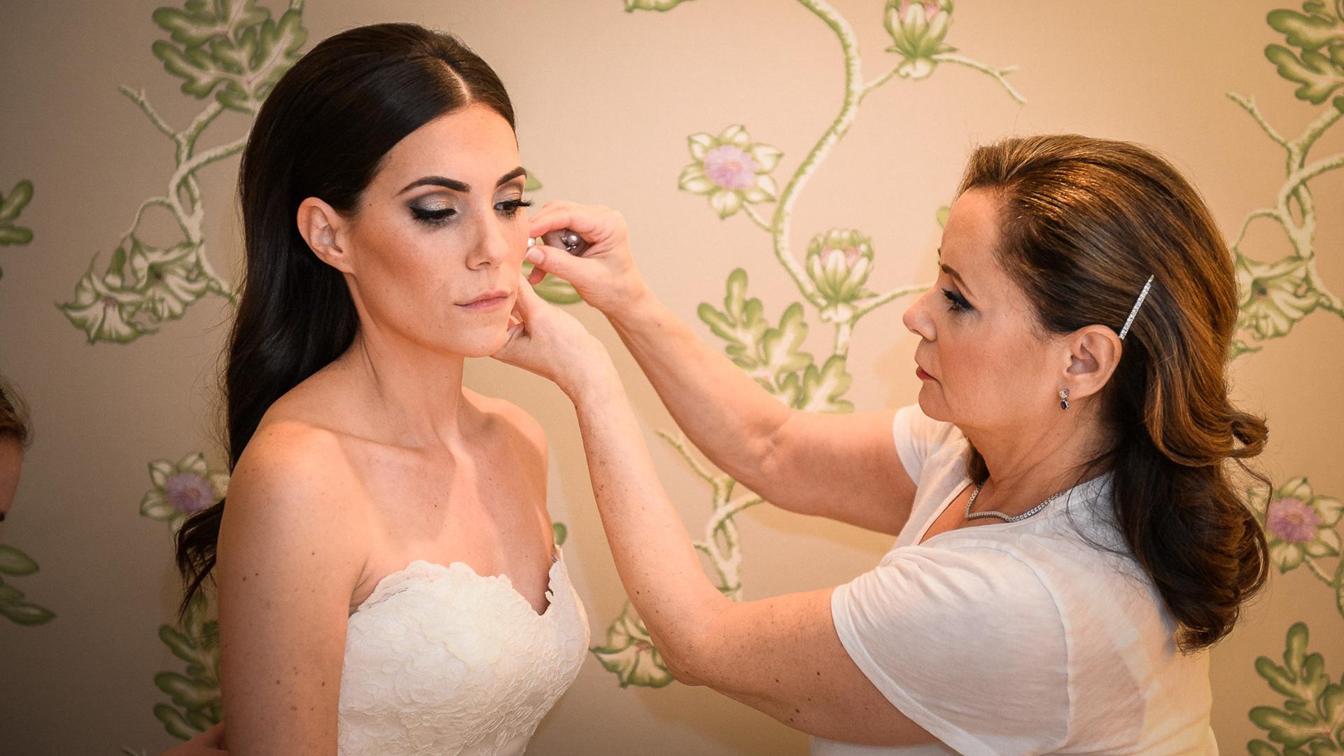 bride getting ready at yale club nyc